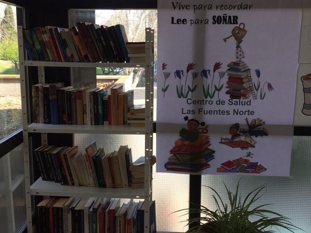 Punto de bookcrossing, en el centro de Salud Las Fuentes Norte