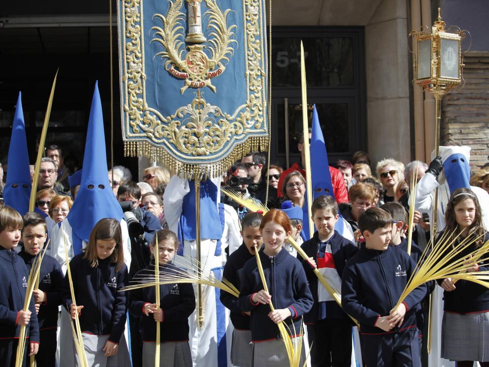 Multitudinaria procesión de las Palmas