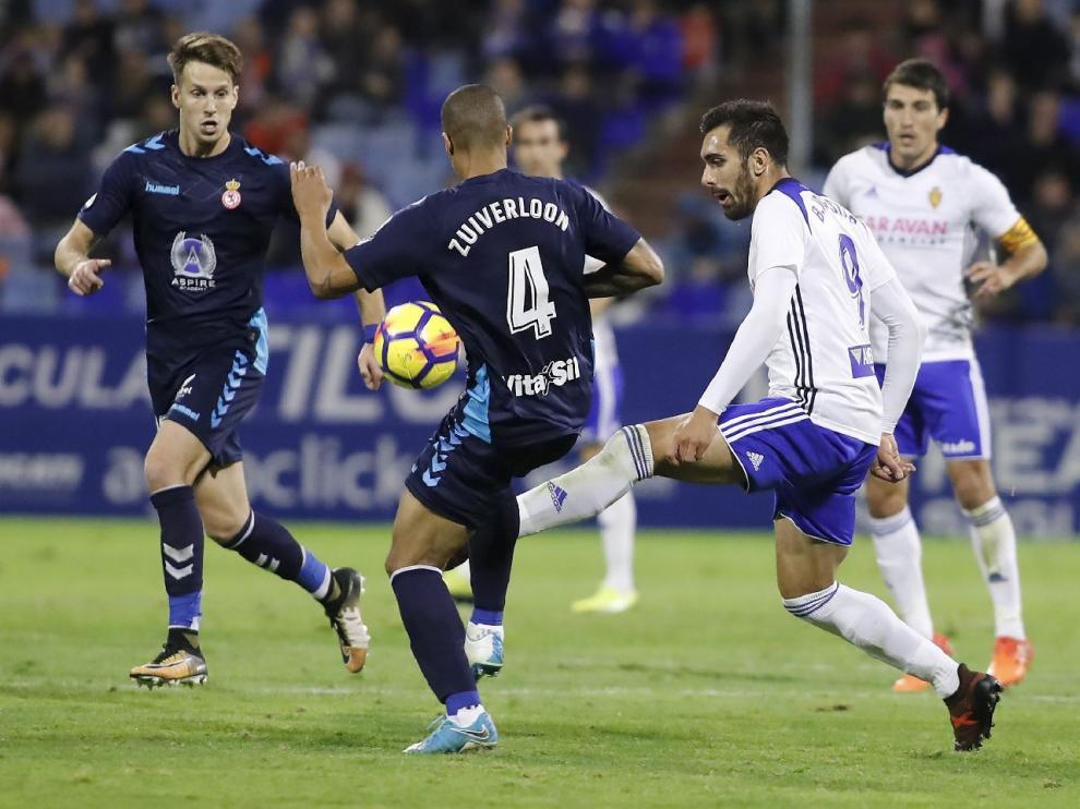 Un momento del partido Real Zaragoza-Cultural Leonesa de la primera vuelta, jugado en La Romareda el 27 de octubre y que concluyó 0-0.