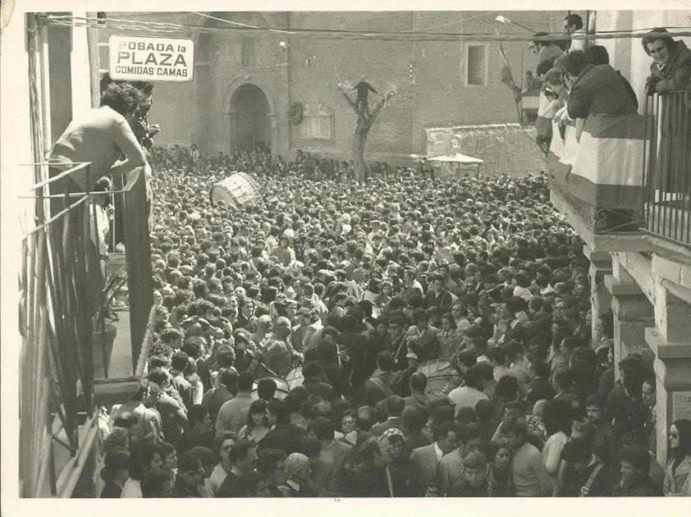 Rompida de la Hora en Calanda en los años 70.