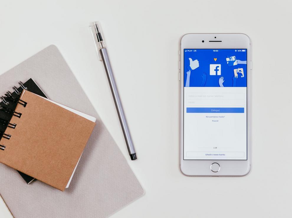 Así puedes descargar todas tus fotos de Facebook