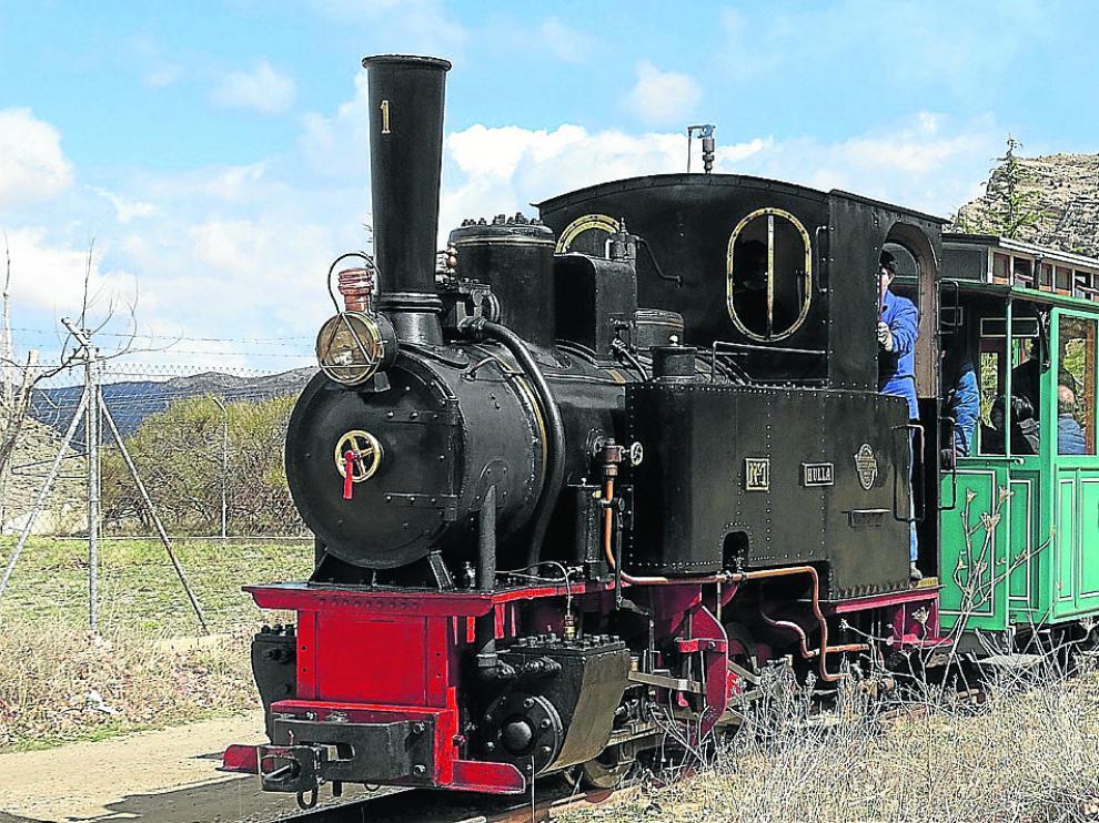 El antiguo tren minero de Utrillas, restaurado para hacer viajes turísticos.