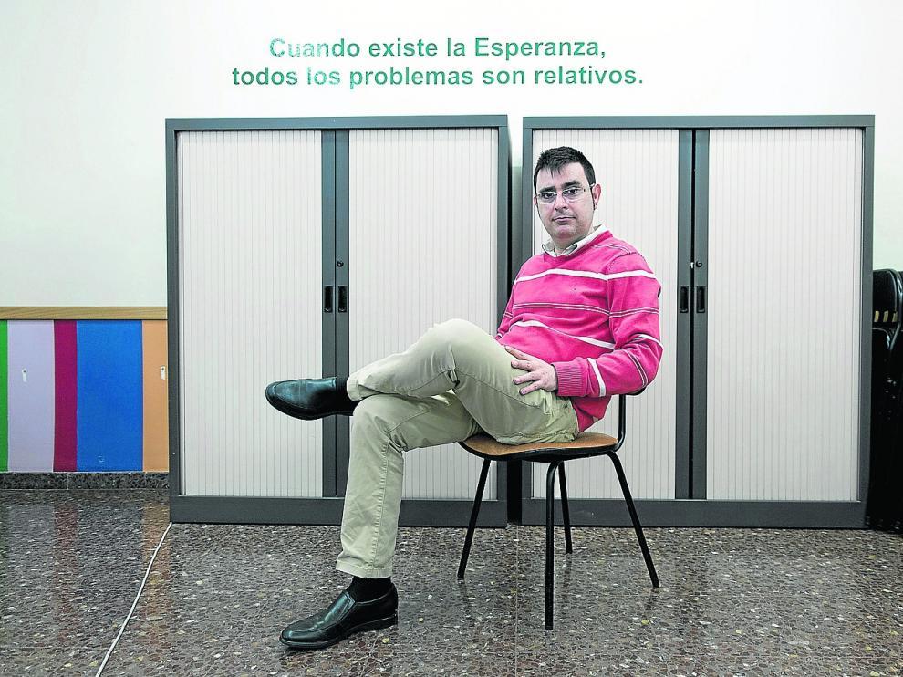 """El grueso de las llamadas atendidas por el Teléfono de la Esperanza en Aragón fue de personas de entre 36 y 55 años, """"con la soledad como problema"""", destaca Alberto Hernández, presidente de la organización."""