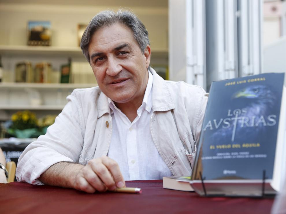 José Luis Corral es autor de medio centenar de tìtulos.