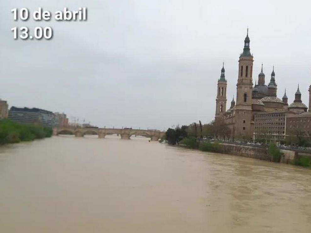 El Ebro, este martes, 10 de abril, durante la crecida.
