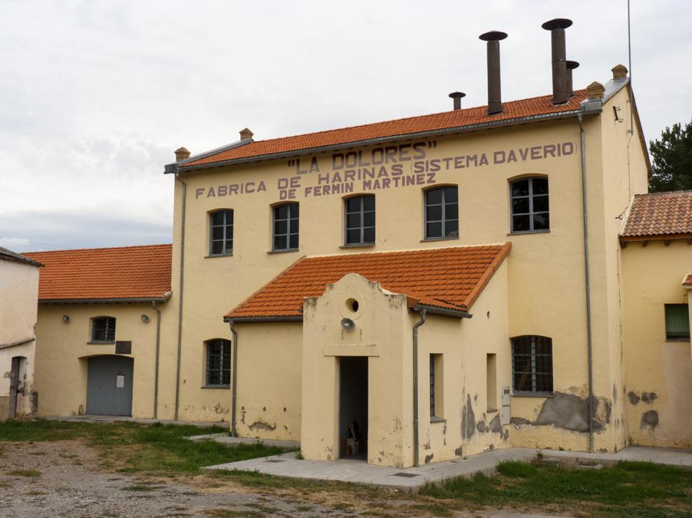 La harinera La Dolores es uno de los enclaves destacados de Caldearenas.