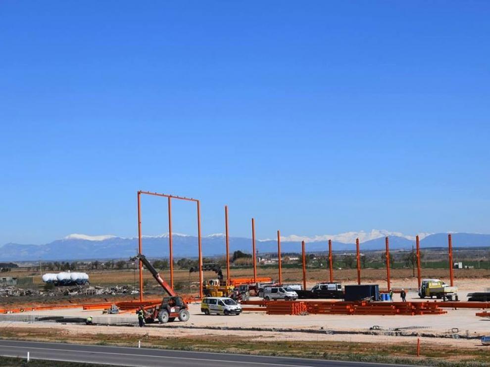 Construcción del nuevo almacén de la cooperativa Los Monegros
