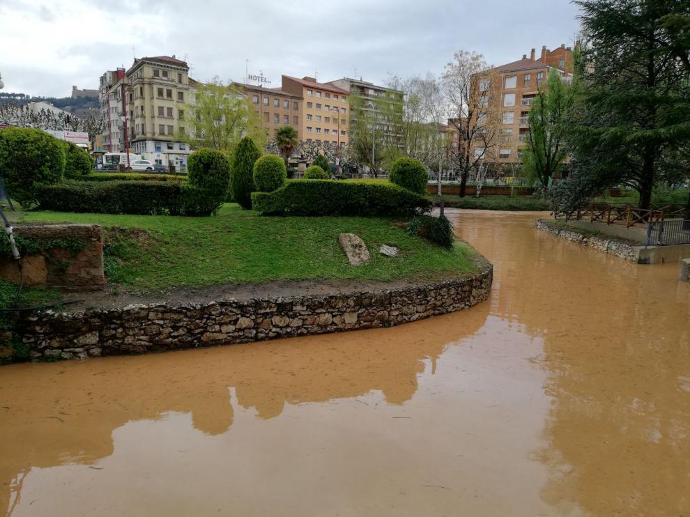 El río Jalón a su paso por Calatayud