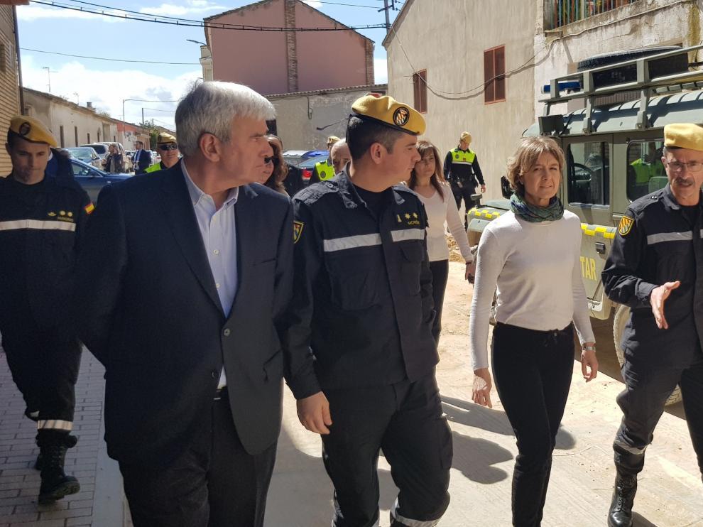 La ministra de Agricultura y Pesca, Alimentación y Medio Ambiente, Isabel García Tejerina, visita las zonas afectadas por la crecida del Ebro.