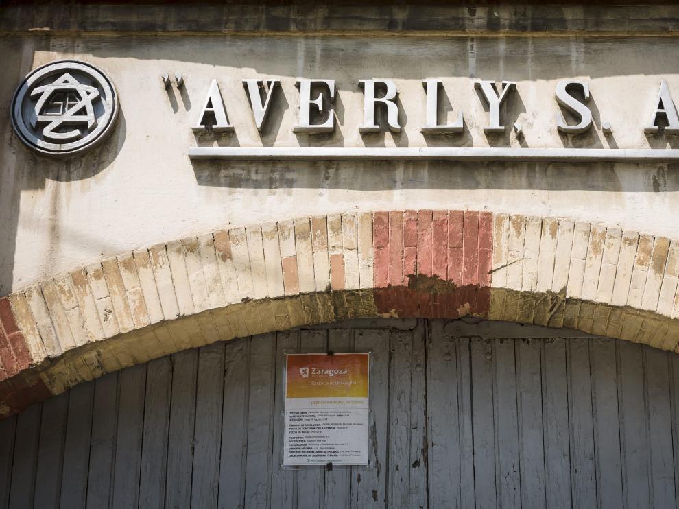 Fachada de la fábrica Averly en Zaragoza. Oliver Duch