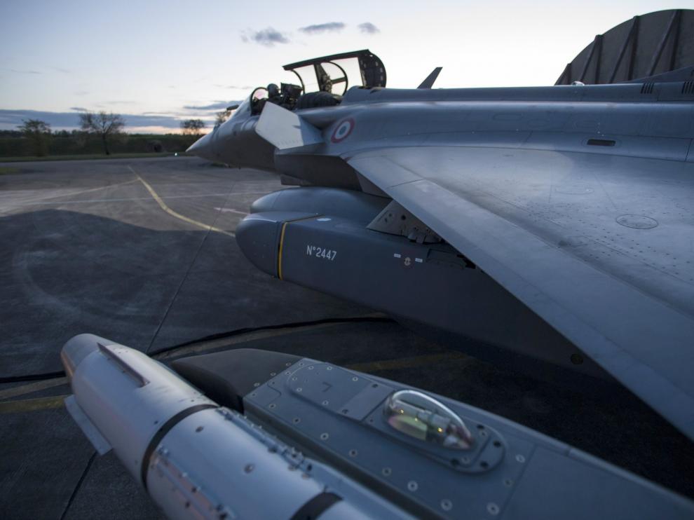 Avión de Francia, país que también participa en la acción militar, a punto de despegar.