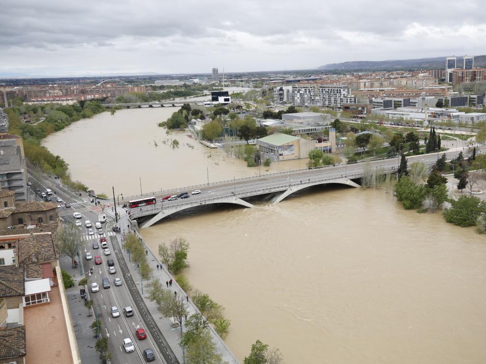 La crecida del Ebro resucita el tema del trasvase en redes sociales.