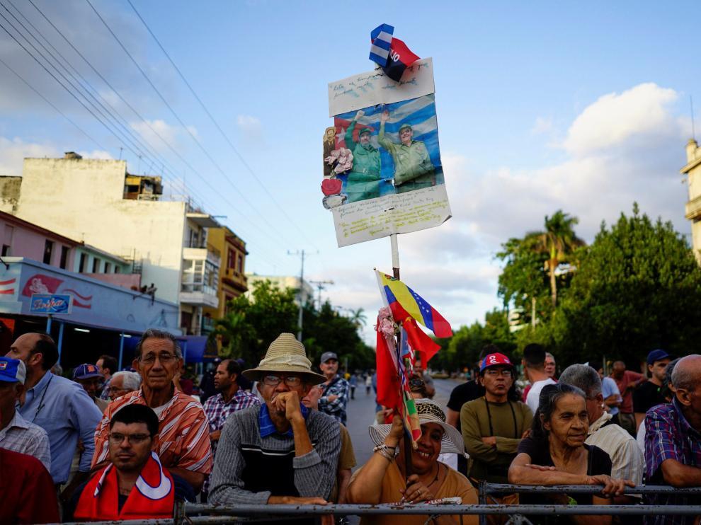 Raúl Castro deja la presidencia en cumplimiento de la limitación de mandatos que él mismo impuso.