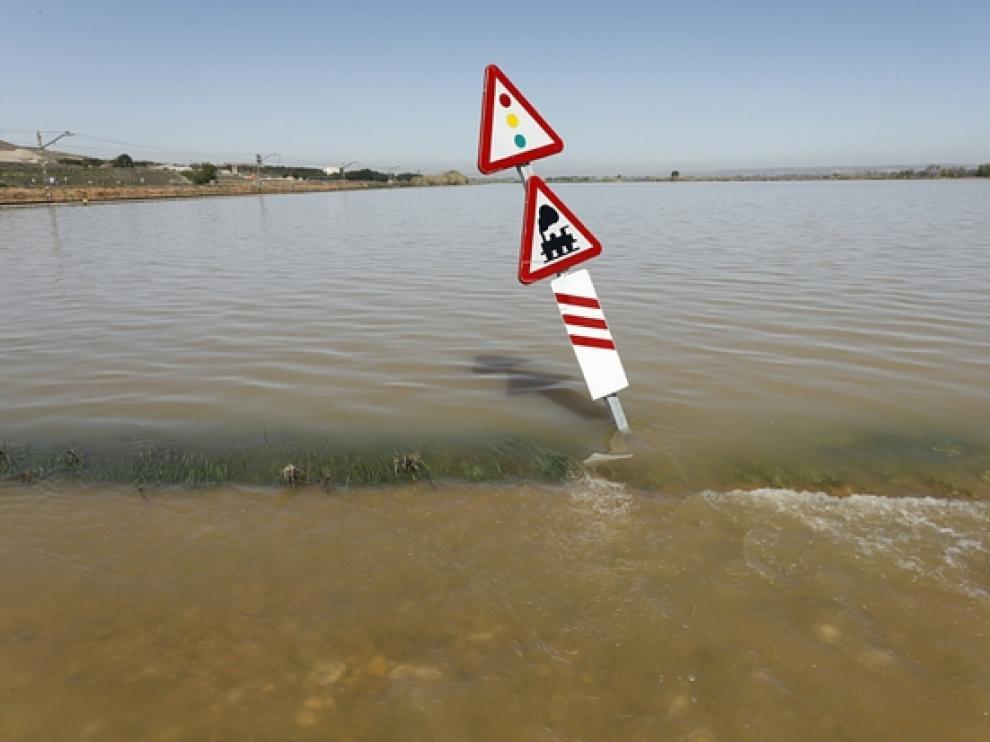 Crecida del río Ebro a su paso por Quinto.