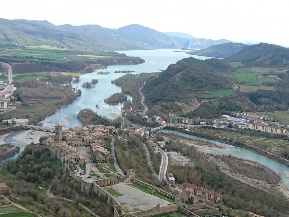 Imagen aérea de Mediano a la altura de Aínsa