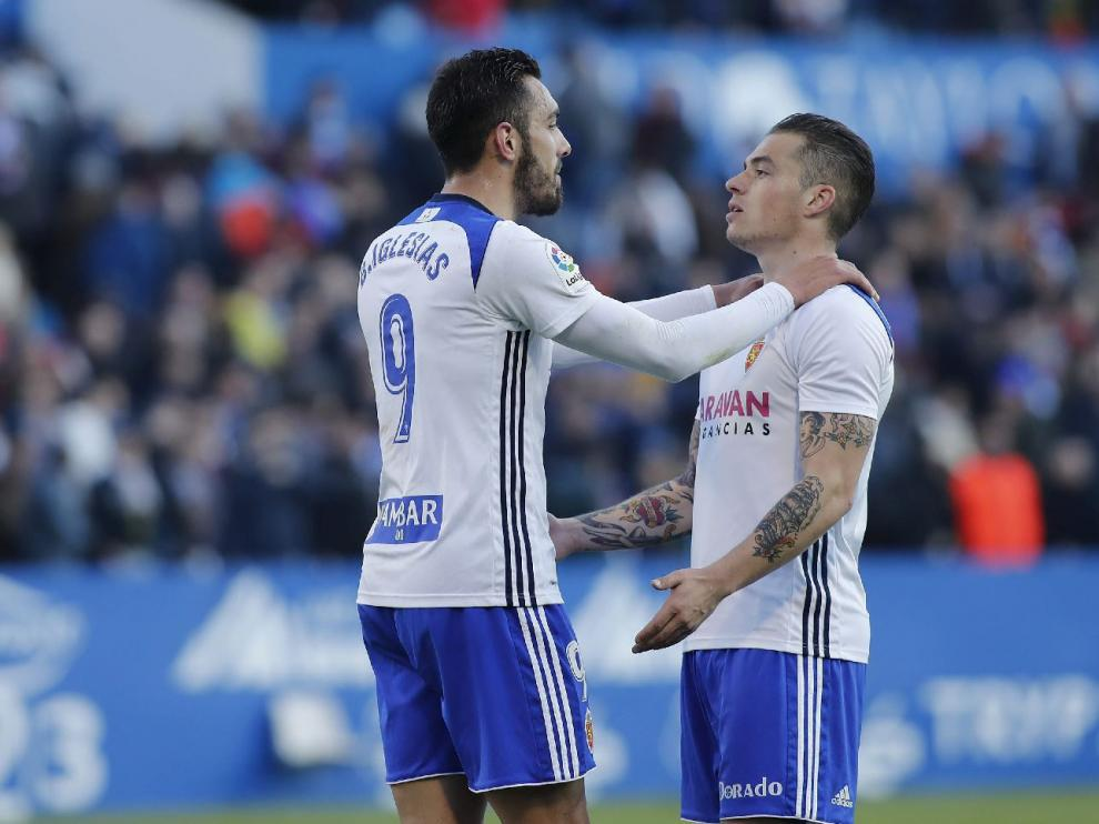 Borja Iglesias y Pombo, el que más y el que menos partidos completos ha jugado, respectivamente, entre el grupo de titulares habituales de Natxo González.