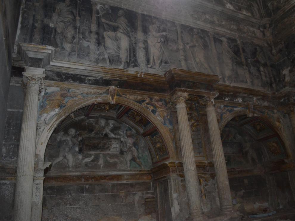 El estado actual de la capilla presenta un aspecto deteriorado que cambiará totalmente tras la intervención.