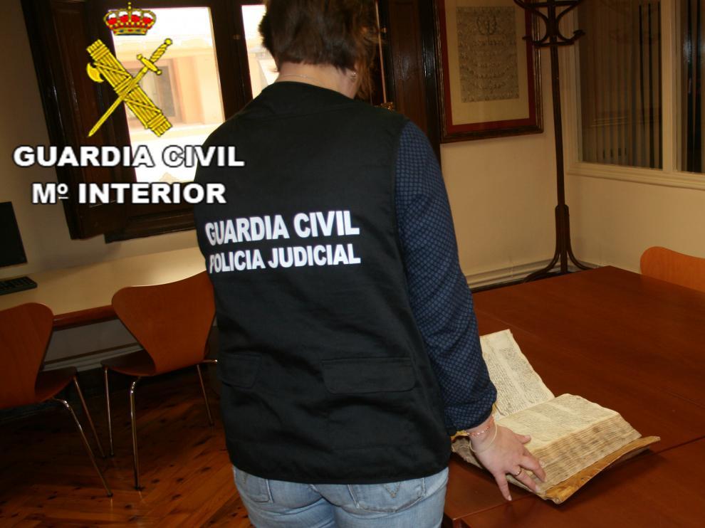La Guardia Civil detiene a una persona por la sustracción de un manuscrito del siglo XVI del Archivo Histórico Diocesano de Teruel.