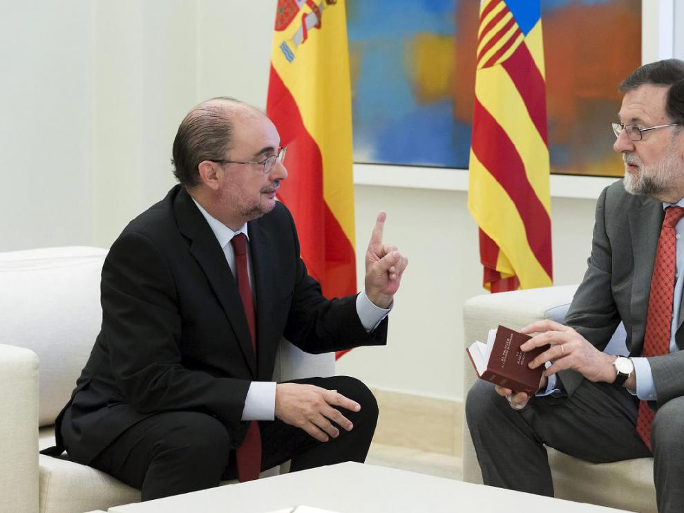Lambán, Rajoy y el bote de espárragos