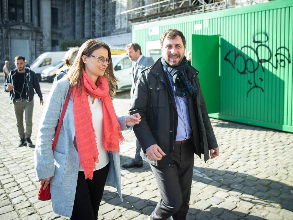 Meritxell Serret y Toni Comin se han presentado este martes ante la Justicia belga