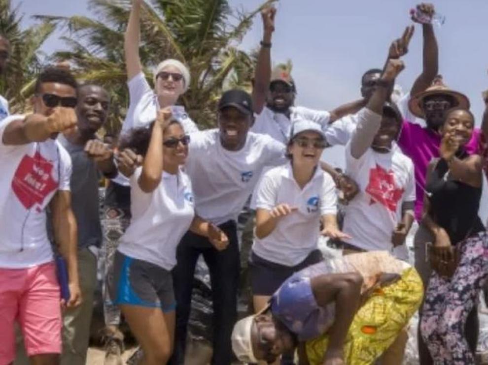 El granito de arena de una aragonesa que limpia las playas en Ghana