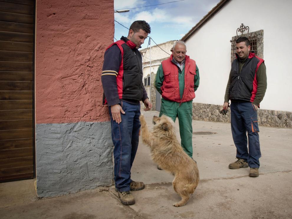 José Luis Aranda –izquierda– y su hermano Marcos –dcha– pertenecen a la peña El Potinarro.
