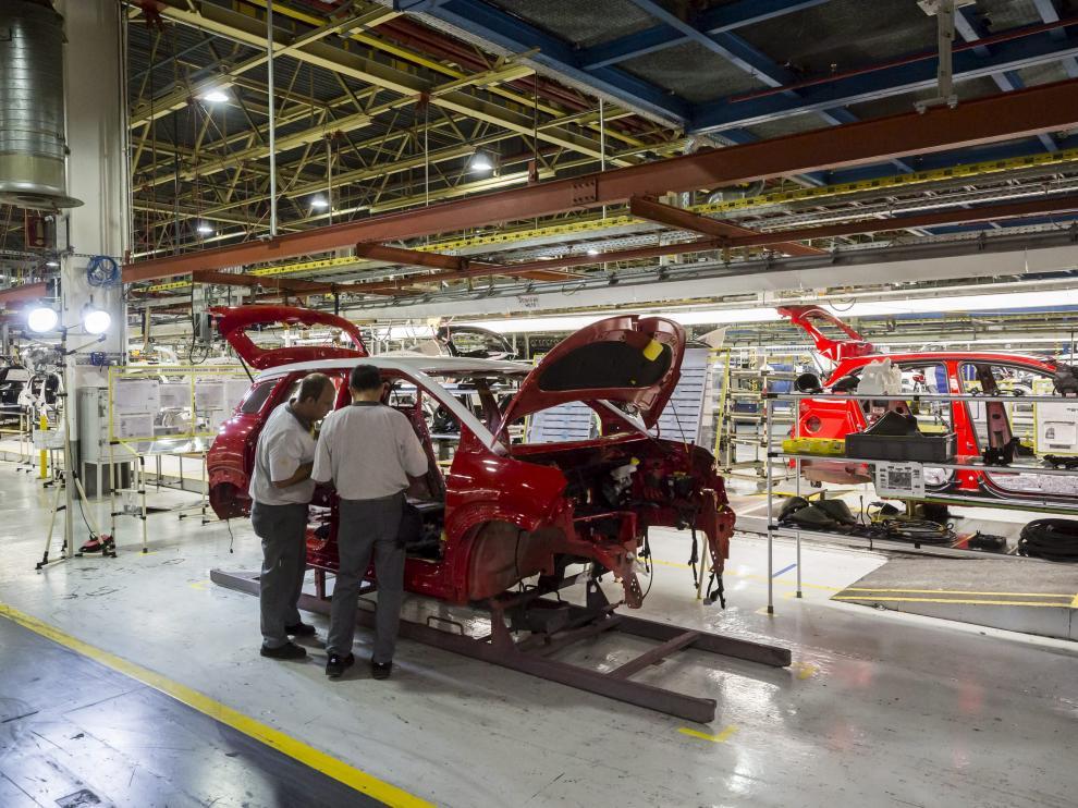 Cadena de montaje de la fábrica de Opel en Figueruelas.
