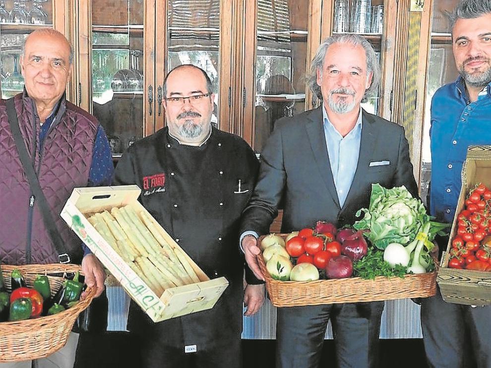 José Luis Díaz, Pedro Martín, Nacho Machín y Antonio Díaz, en el restaurante El Foro.