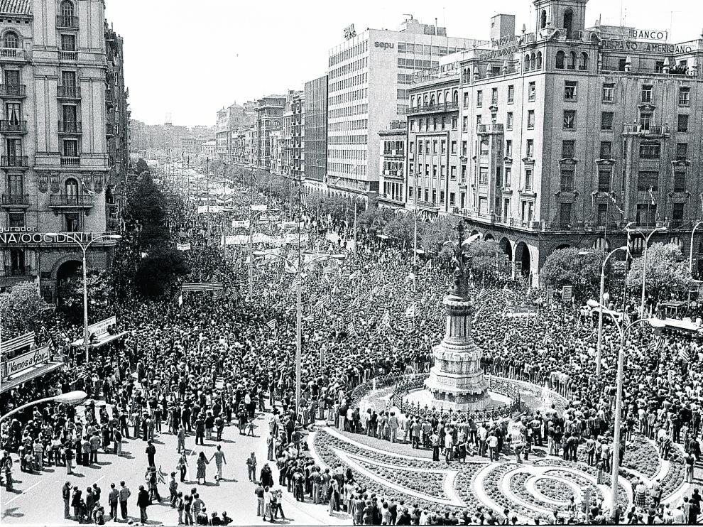 La manifestación, a su paso por Independencia.