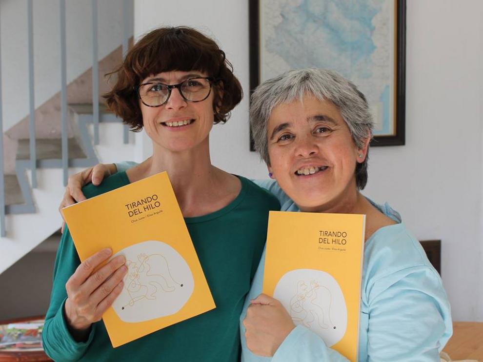 Elisa Arguilé y Chus Juste, con su último trabajo, 'Tirando del hilo'.