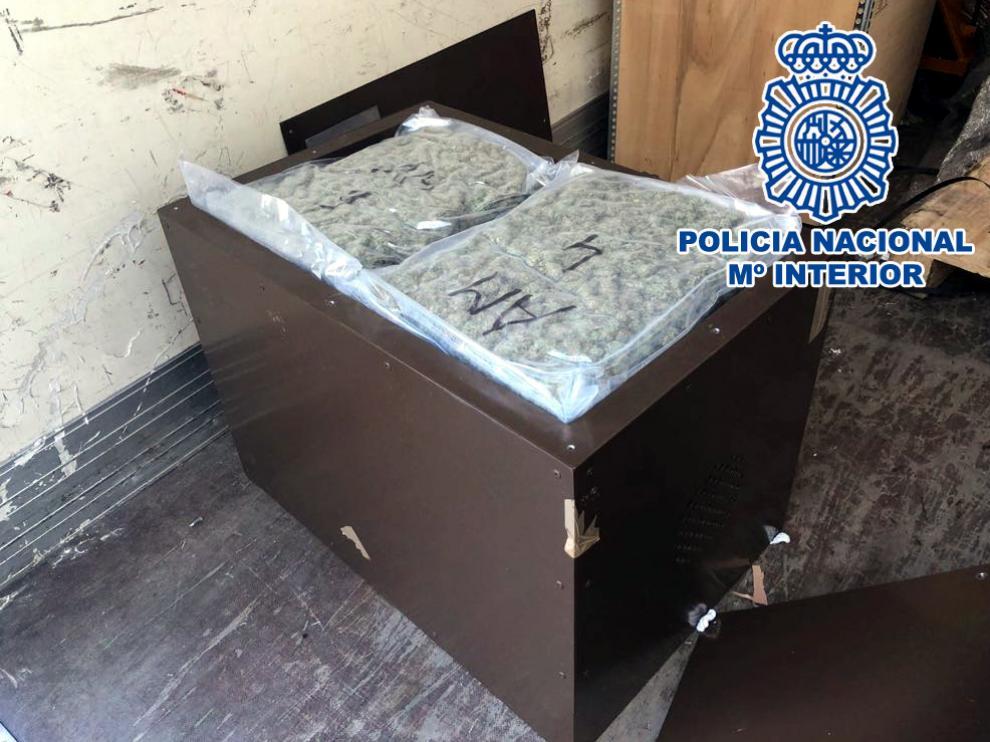 Detenido por transportar 1.200 gramos de marihuana en un camión, en la A-2