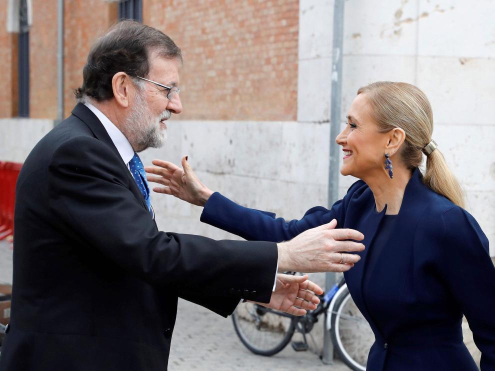 Mariano Rajoy y Cristina Cifuentes, este lunes en Alcalá de Henares.