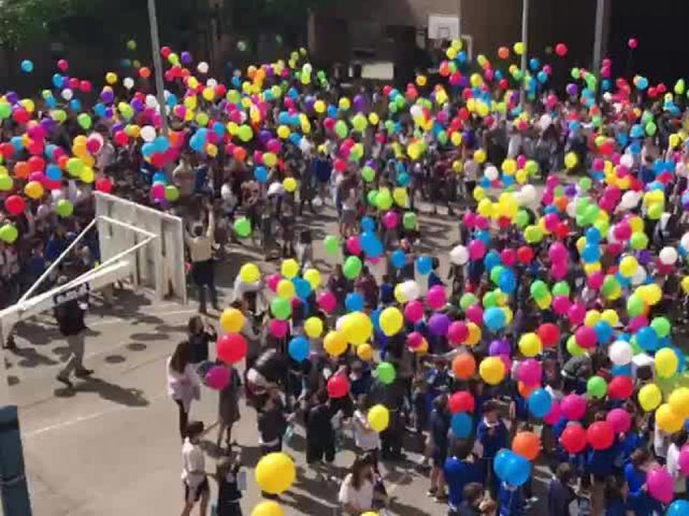 Suelta de globos de colores