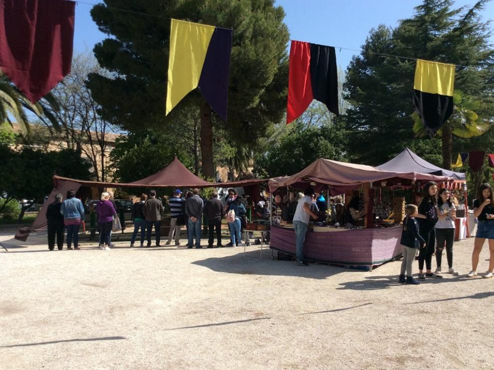 El parque de la Victoria de Belchite, convertido en mercado medieval.