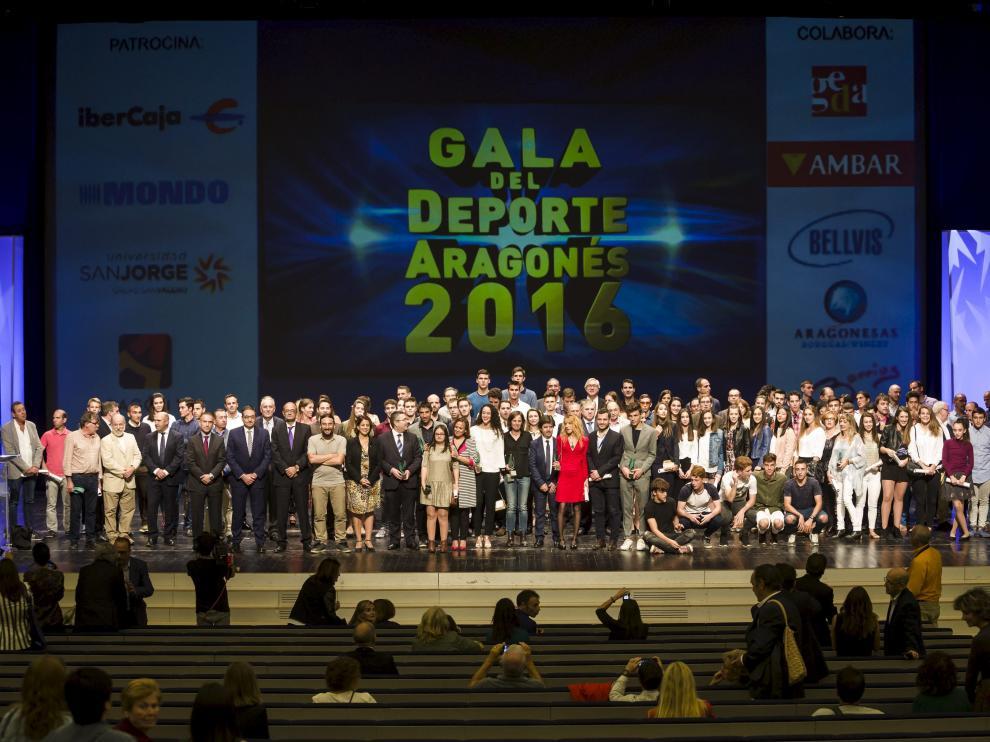 Grupo de todos los premiados en la edición del pasado año.