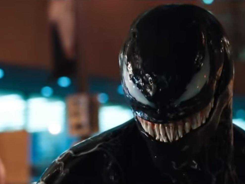 'Venom' invade el cuerpo del reportero Eddie Brock, interpretado por Tom Hardy.