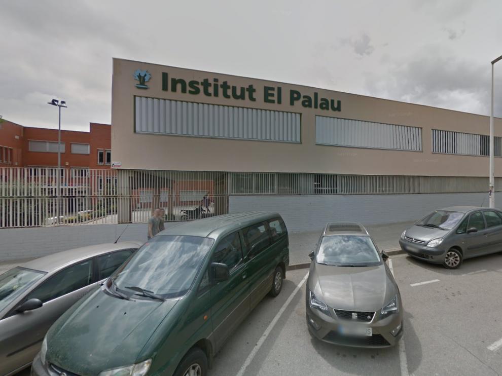 Instituto Palau de Sant Andreu de la Barca, centro educativo de los hijos de este guardia civil