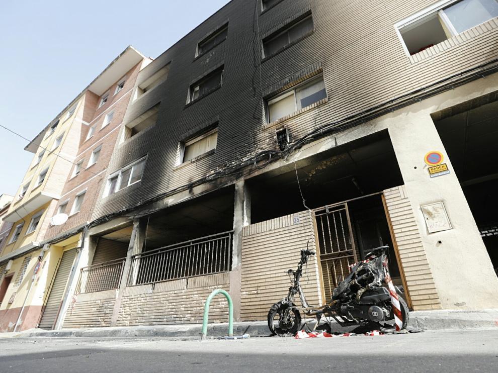 Incendio de contenedores en Torrero