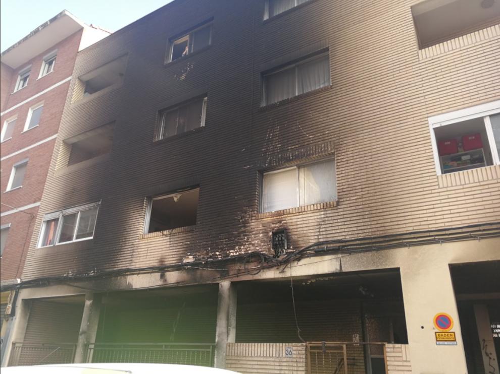 Arden cuatro contenedores en Torrero
