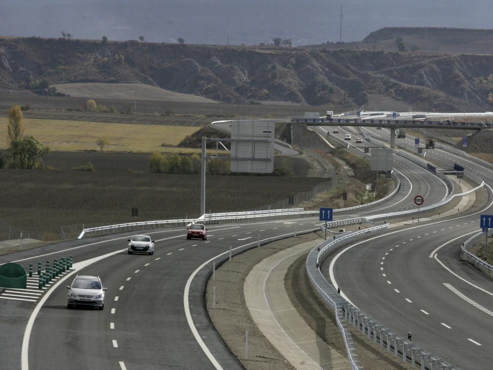 El motorista huyó durante 15 kilómetros por la A-23 entre Sabiñánigo y Jaca