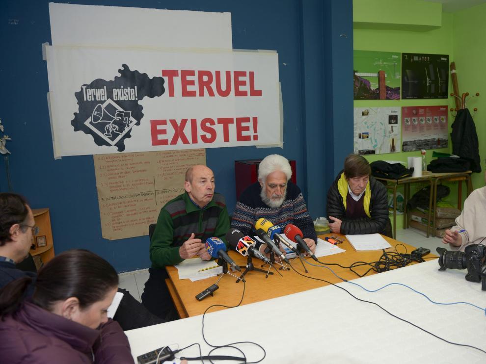 Portavoces de la Coordinadora Ciudadana Teruel Existe anunciando manifestaciones el pasado mes de marzo.