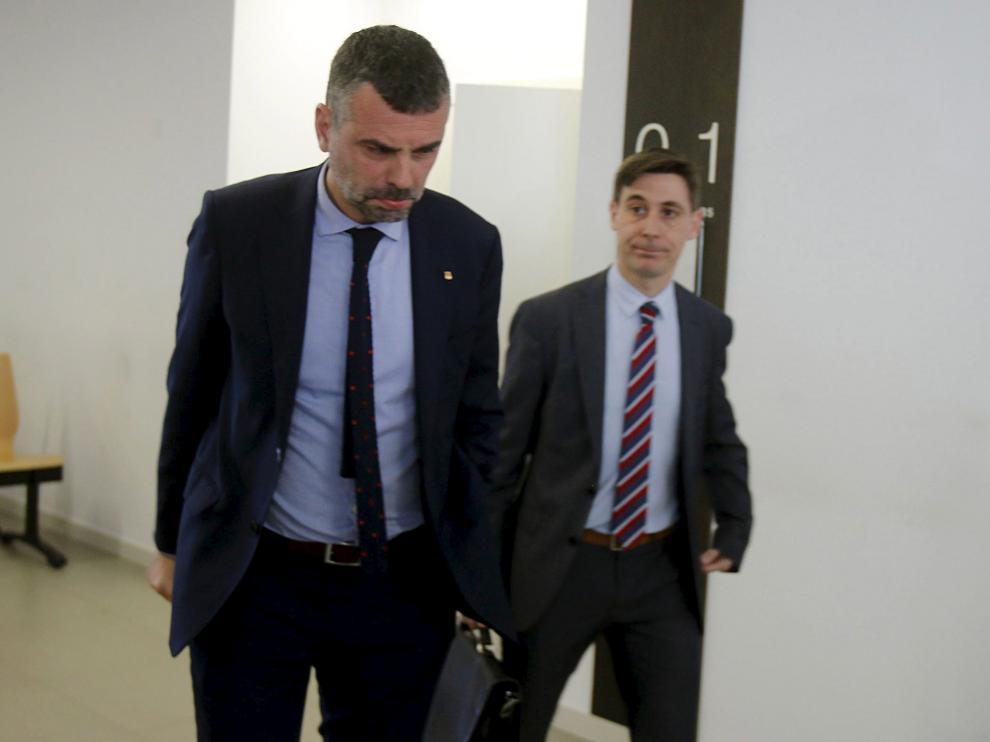 El exconseller de Cultura de la Generalitat, Santi Vila, en los juzgados de Huesca.