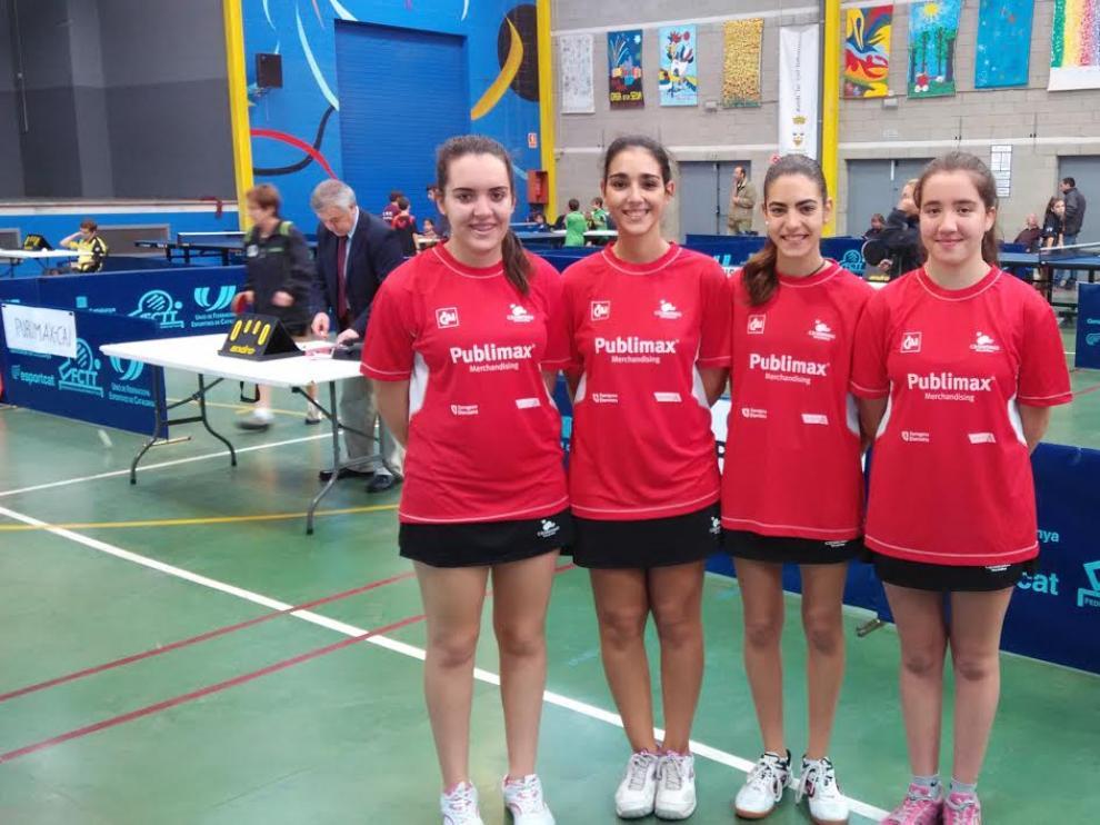 Equipo femenino del Publimax CAI Santiago.