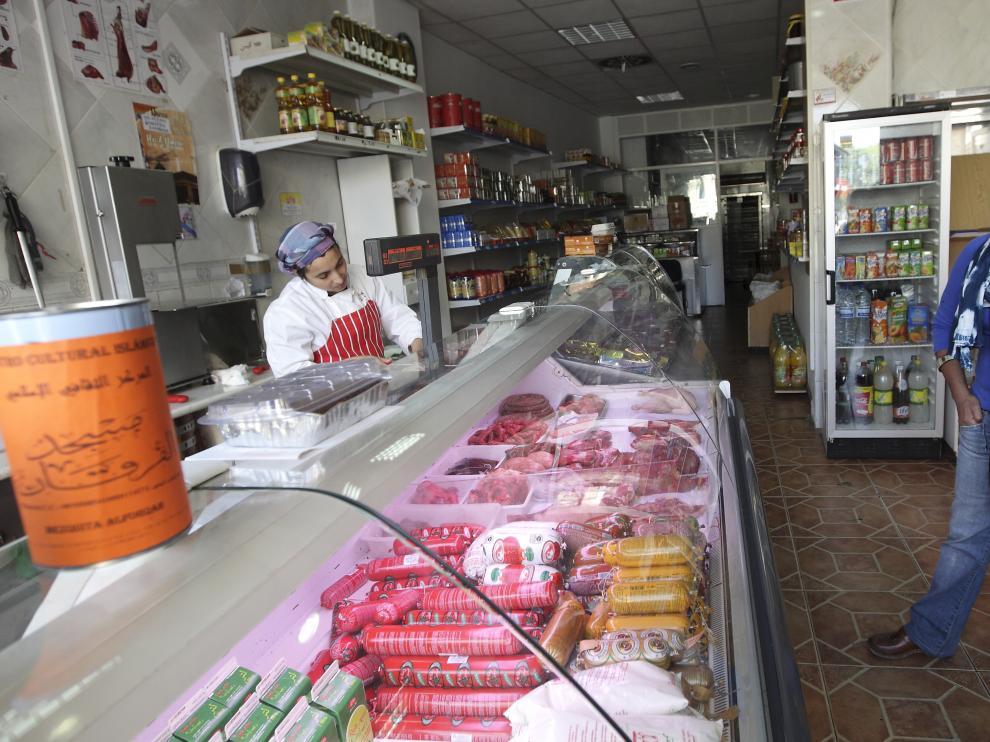 Comercio especializado en productos extranjeros en la calle de Conde Aranda de Zaragoza.