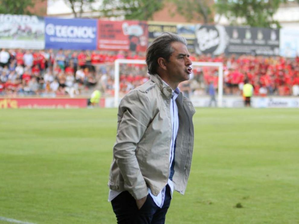Natxo González, el año pasado en el Camp Nou de Reus -donde se va a disputar el partido del Real Zaragoza este viernes- cuando dirigía al cuadro reusense.