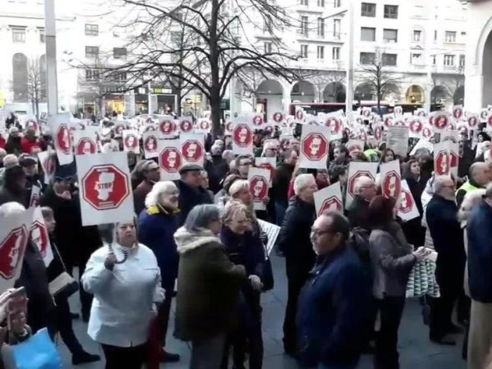 Concentración de Stop Sucesiones y Plusvalías en Zaragoza