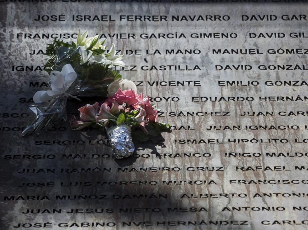 Monumento a las víctimas del Yak-42.