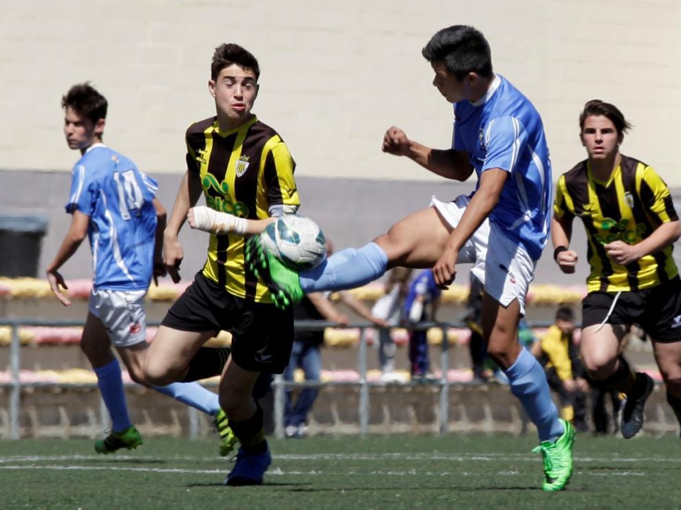 Imagen de un partido anterior de División de Honor Cadete. Balsas vs. Binéfar