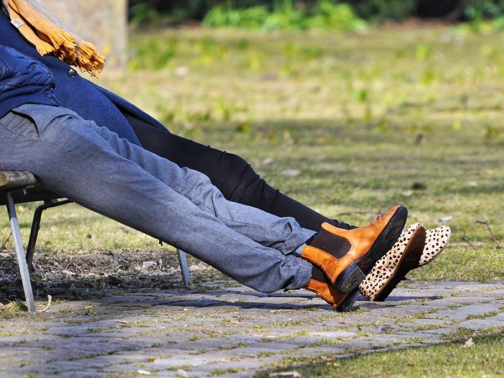 Las profesiones que más perjudican a los pies son las que requieren estar todo el día de pie, sentados o en cuclillas.