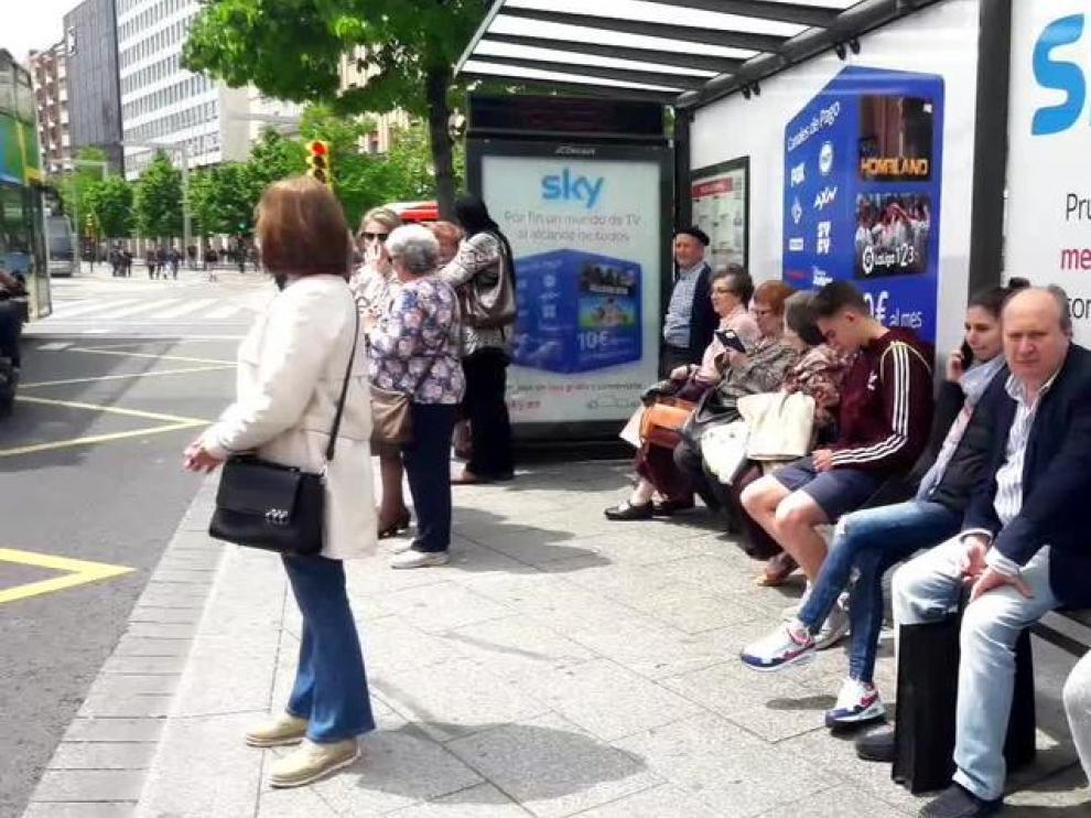 Esperas de hasta más de media hora por la huelga del bus